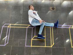 Tape Art - Spiel mit farbenfrohen geometrischen Linien